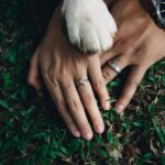Ways to Flaunt Your Wedding Ring in Pictures
