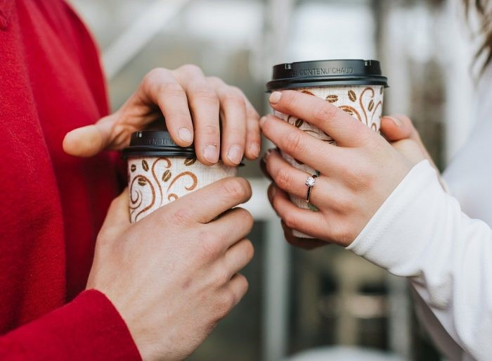 30+ Ideas for Winter Engagement Photos   How They Asked
